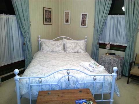 Grafton Rose Bedroom 1