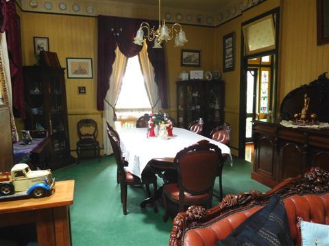 Grafton Rose Dining Room